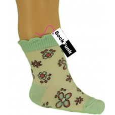 Flower Design with Pale Green Heel and Toe